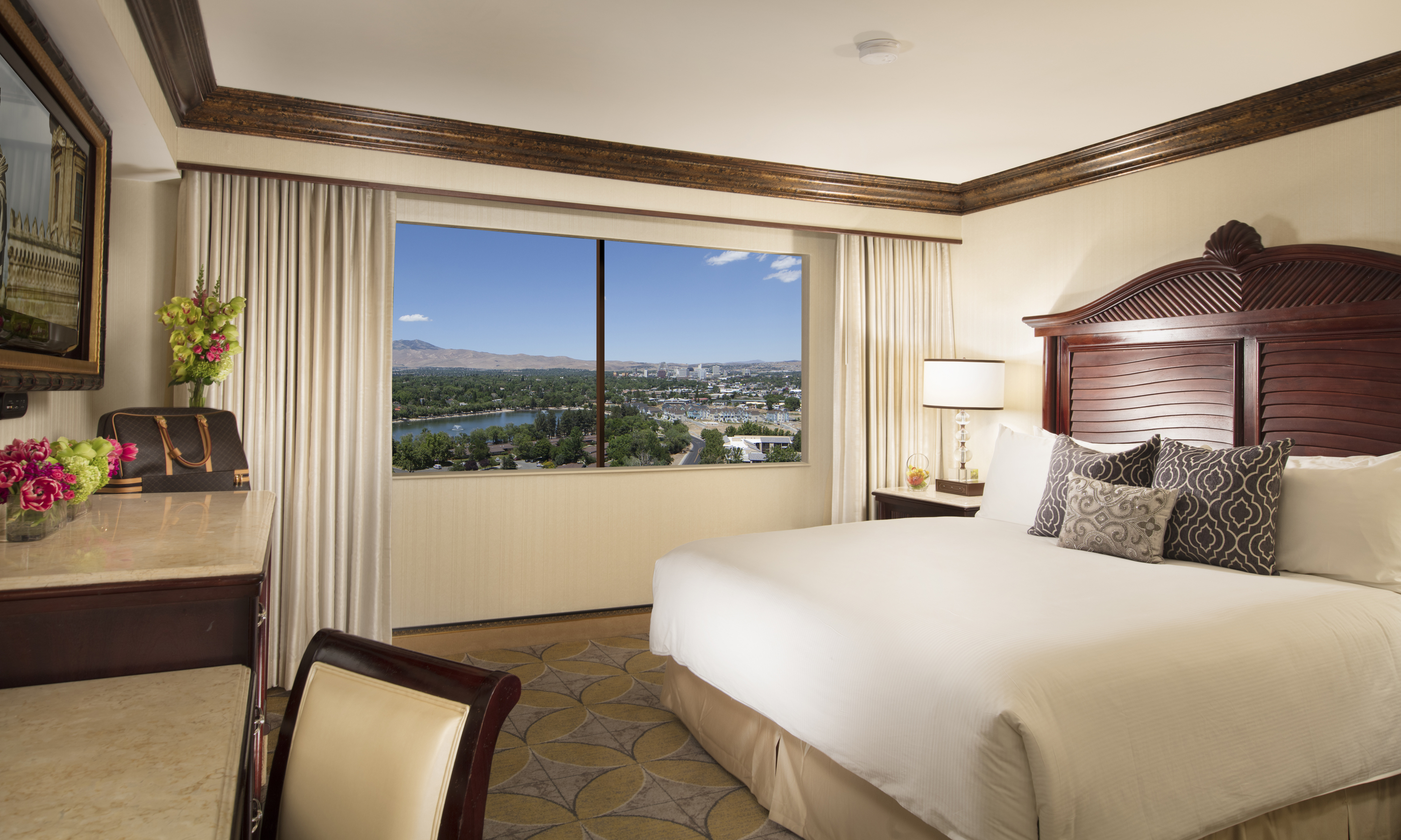 North Amp West Wing Standard King Room Peppermill Resort