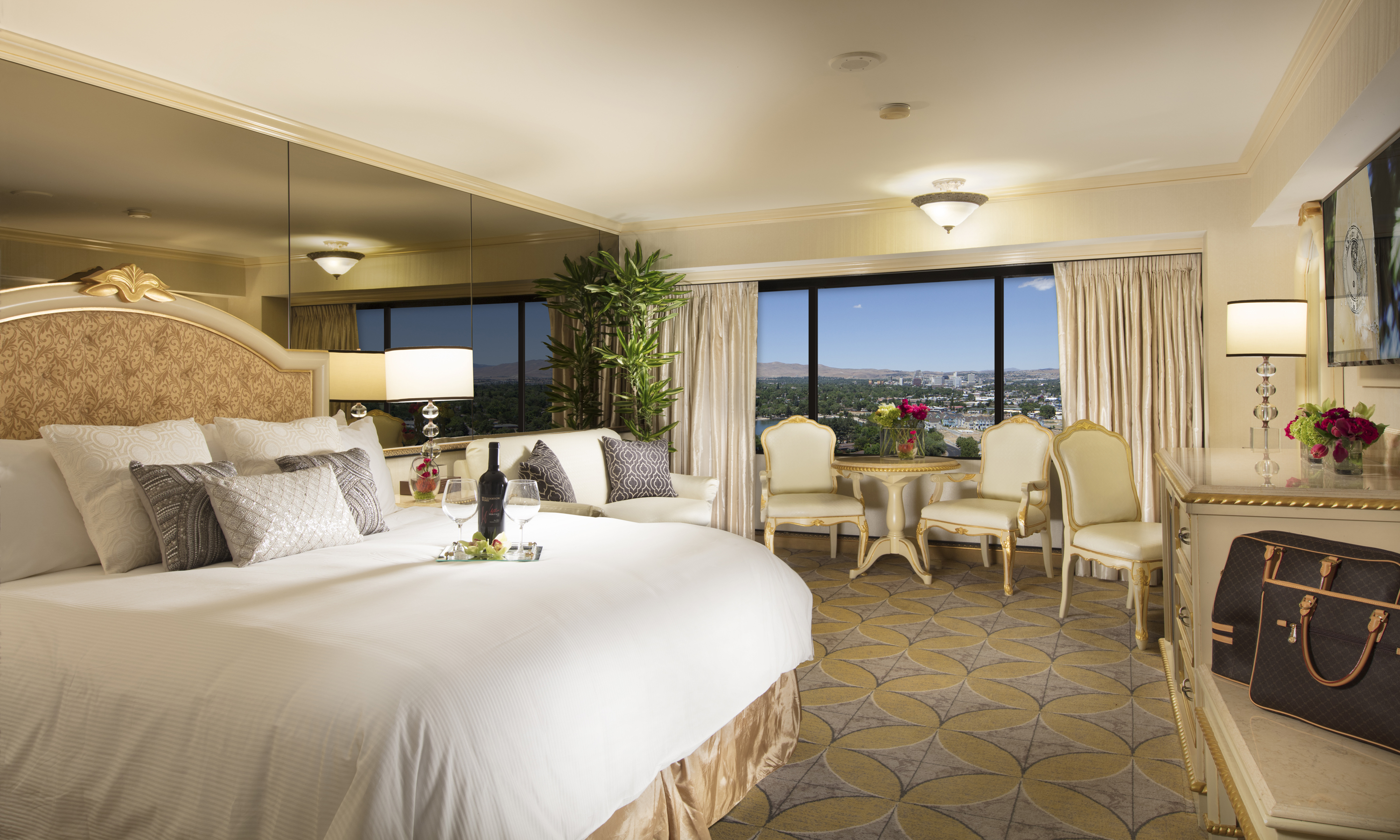 Room Service: Peppermill Reno Restaurants And Dining