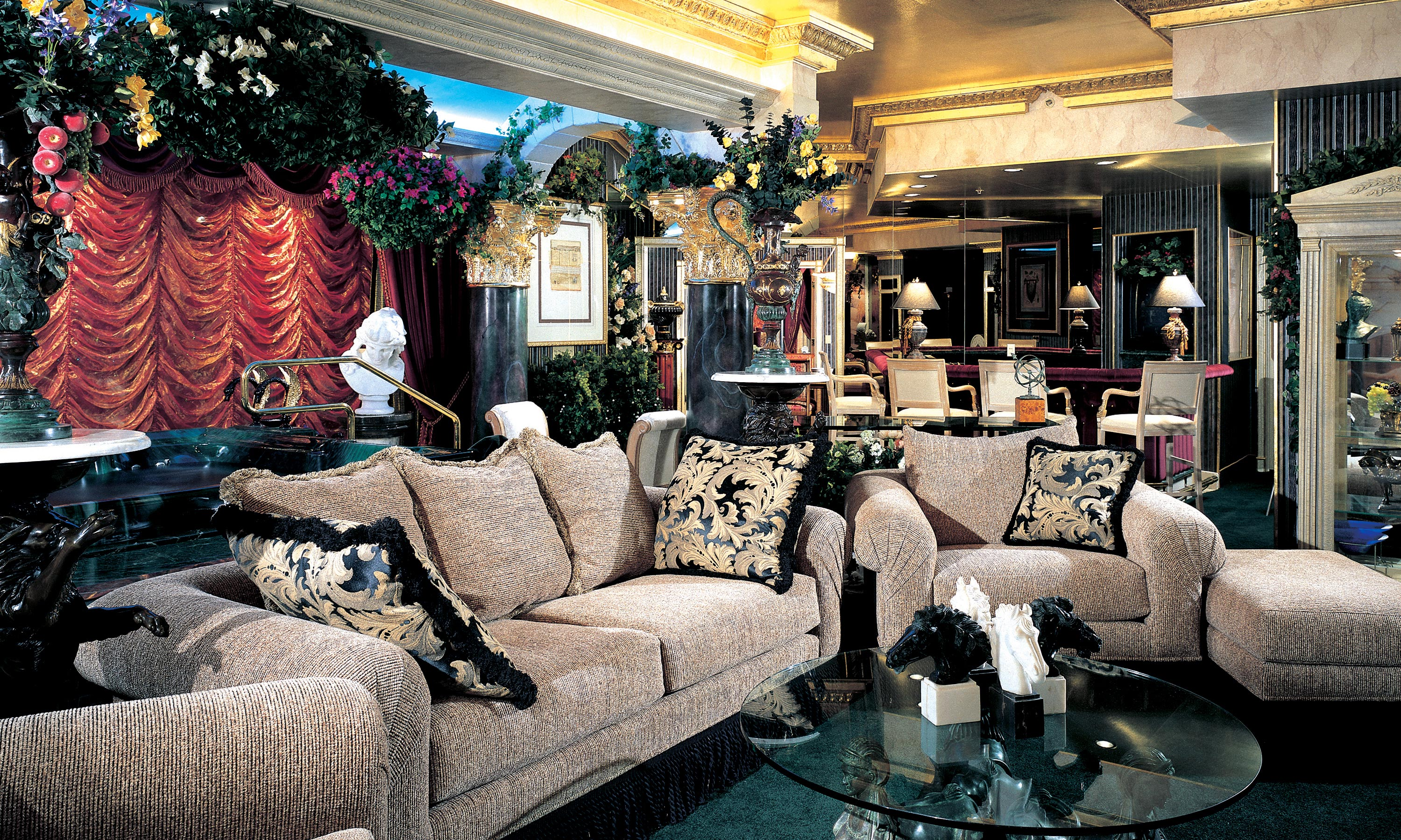Peppermill Tower Roman Opulence Super Suite Peppermill