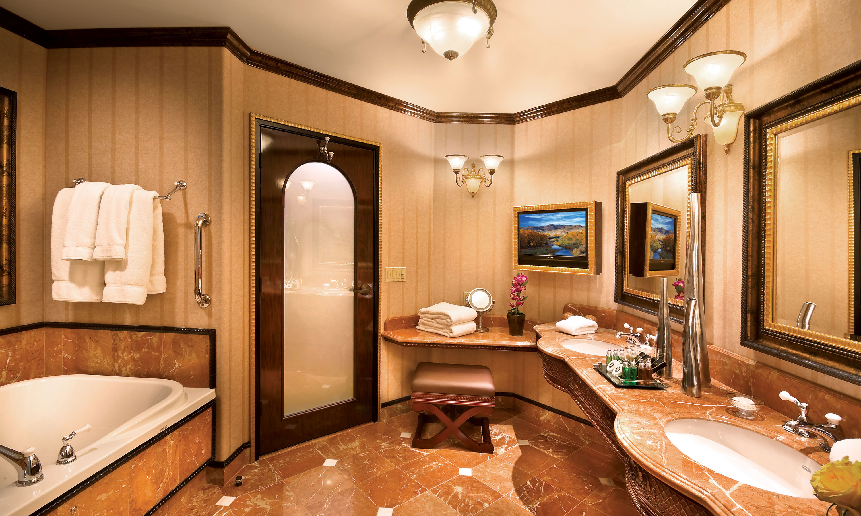 Tuscany villa suite peppermill resort hotel reno for Bathroom remodel reno nv